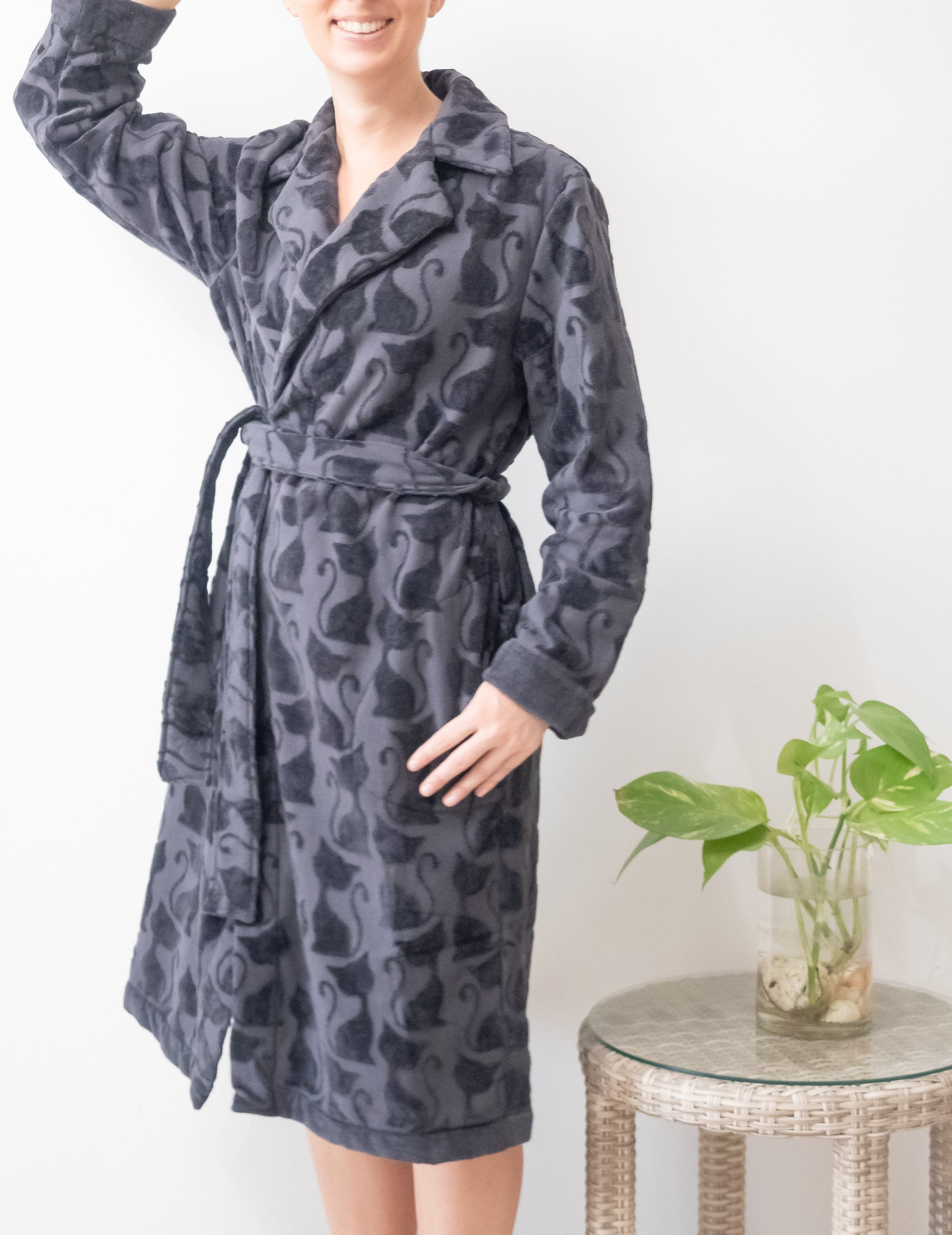 Bathrobe with cat print