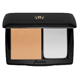 Lingerie de Peau Powder Foundation Compact