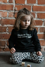 Load image into Gallery viewer, Sweatshirt, Dolce Vita Black