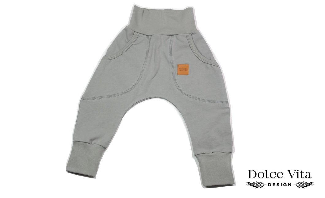 Baggypants, Basic Grey