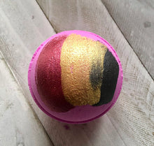 Load image into Gallery viewer, Bombshell Bath Bomb