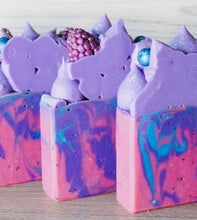 Load image into Gallery viewer, Winter Berry Artisan Soap