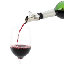 Load image into Gallery viewer, Vinturi 2-in-1 Wine Pourer and Stopper