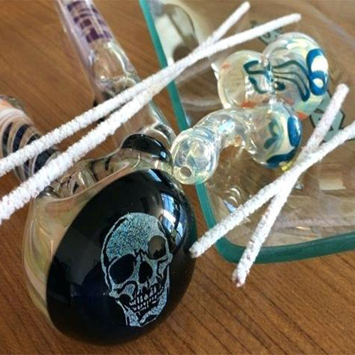 How to Clean a Glass Pipe