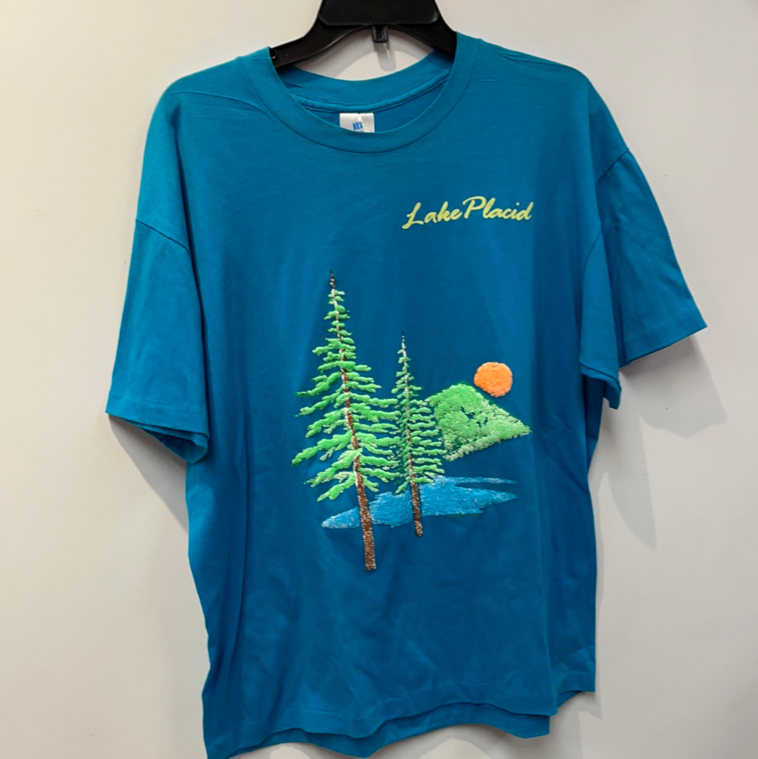 Raised Puffy Print Lake Placid T-Shirt. Size XL.
