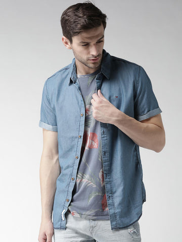 Tommy Hilfiger Men Blue Solid Chambray Shirt