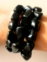 Load image into Gallery viewer, Shungite Gratitude Bracelet