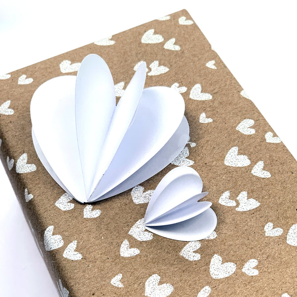 White Mini Hearts Cadeaustickers  Wit 5cm