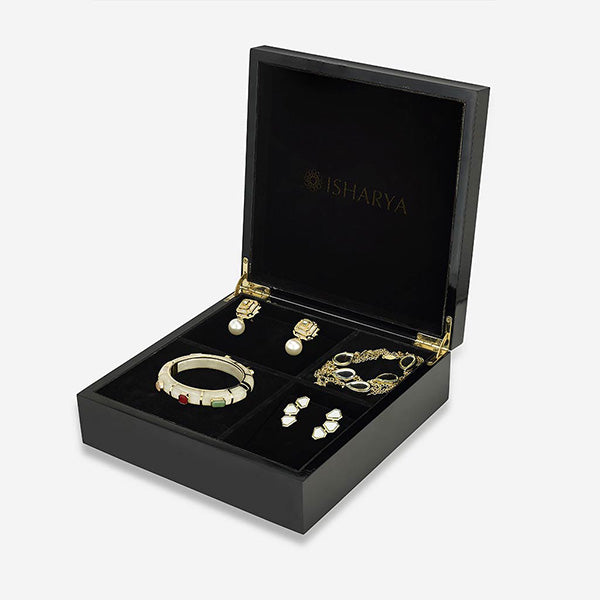 Isharya-bento-box-customizable-jewelry-box-gift-set-modern-indian-jewelry (1)