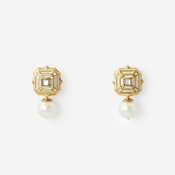 White Hampi Pearl Drop Earring