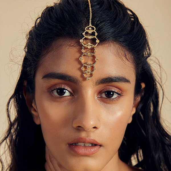 oversized-modern-indian-jewelry-Limelight Circle Link Maangtika