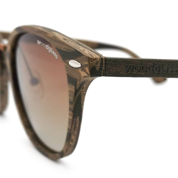 Cape wood immitation sunglasses wooden look dark walnut log woodglass from VAIN sunglasses gradient brown lens CE3 UV400 grain closeup