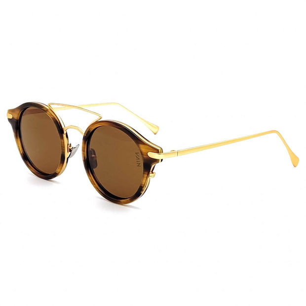 Monaco round sunglasses from VAIN, striped turtoise frame with gold looking metal and brown lenses (polarized, UV400 & CE3)