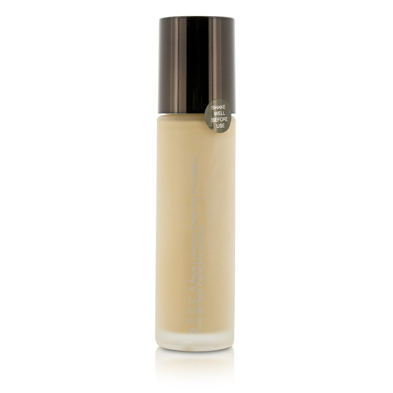 Aqua Luminous Perfecting Foundation Fair 205764