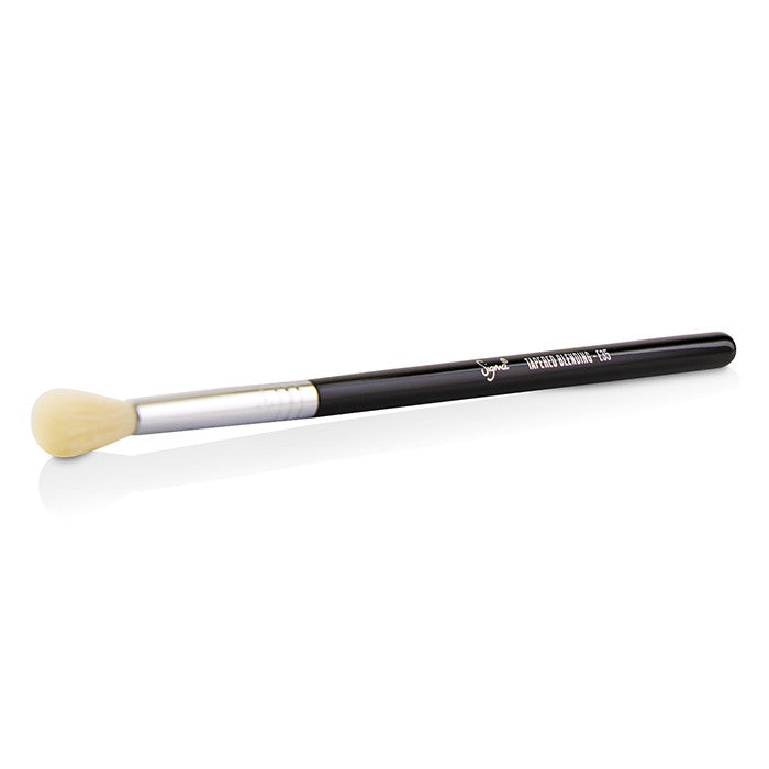 E35 Tapered Blending Brush 221755