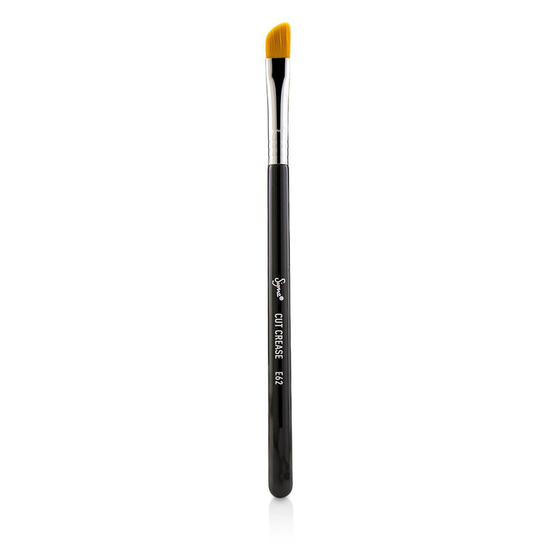 E62 Cut Crease Brush 221759