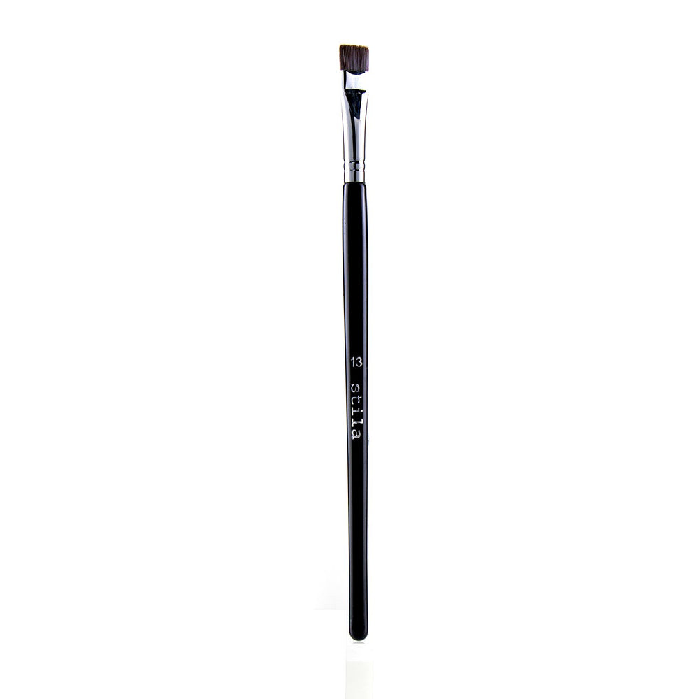 # 13 One Step Eyeliner Brush