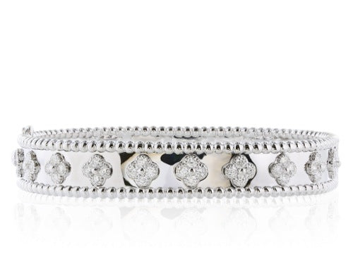 18 kt 2.46 ctw. Wide Flower Diamond Bangle