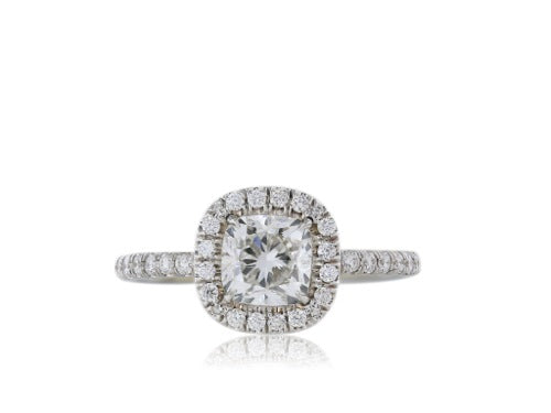 18 kt 1.01 ct Cushion Cut Diamond Ring