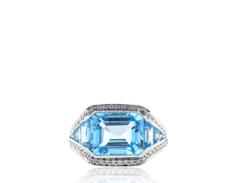2.64cts. Blue Topaz Ring