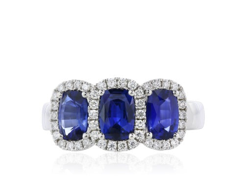 18 kt 3.00 ct Oval Blue Sapphires 3 Stone Ring