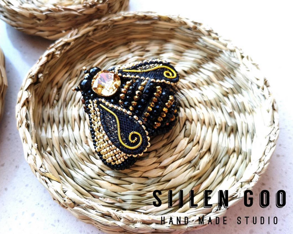Handmade Bee Pin by Siilengoo