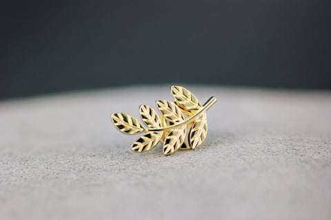Gold masonic lapel pin