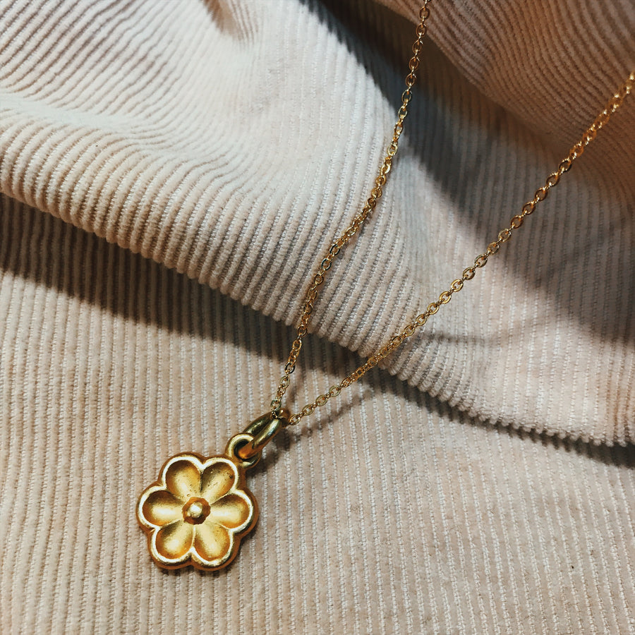 Double sided 9ct gold plated flower necklace