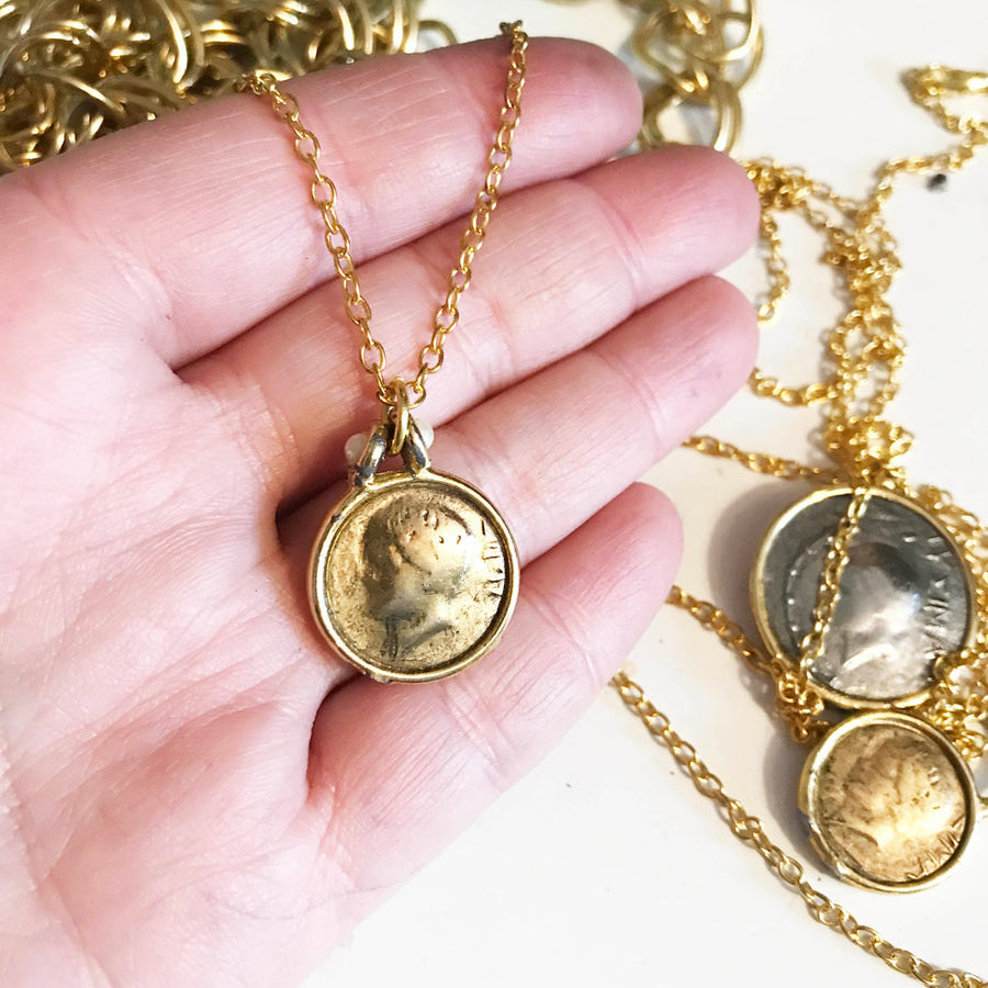 Beautiful vintage gold tone antique coin necklace with pearl detail