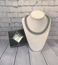 Load image into Gallery viewer, Round Chainmaille Necklace
