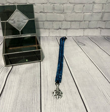 Load image into Gallery viewer, Aluminum Chainmaille Box Chain with Pendant