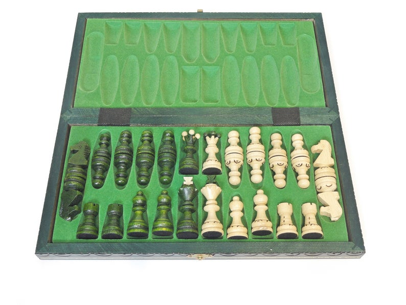 "Medium Wooden Chess Set In Green color, 13,78"" x 13,78"""