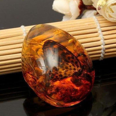 Beautiful Amber Butterfly Insects Stone Pendant Necklace