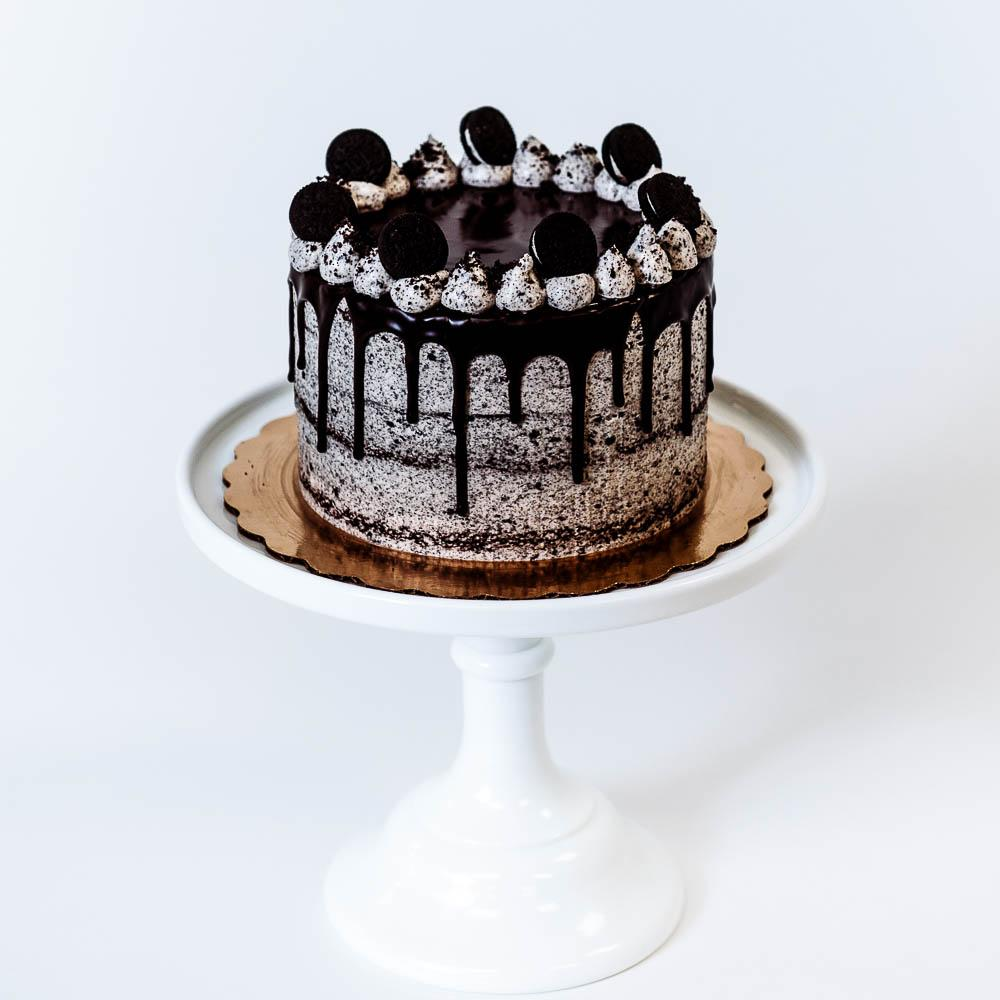 Cocoa and Fig Cookies & Cream Cake
