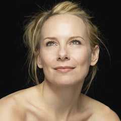 Everything in This Country Must, Colum McCann performed by Amy Ryan MP3 download