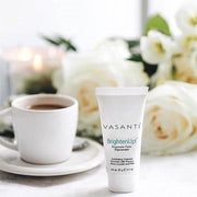 Vasanti Brighten Up! Enzymatic Face Rejuvenator 20g - Lifestyle shot