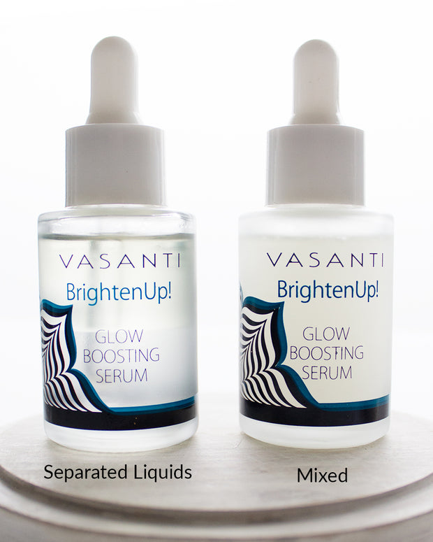 Side by side comparison between mixed and separated liquids of Vasanti Brighten Up! Glow Boosting Serum.