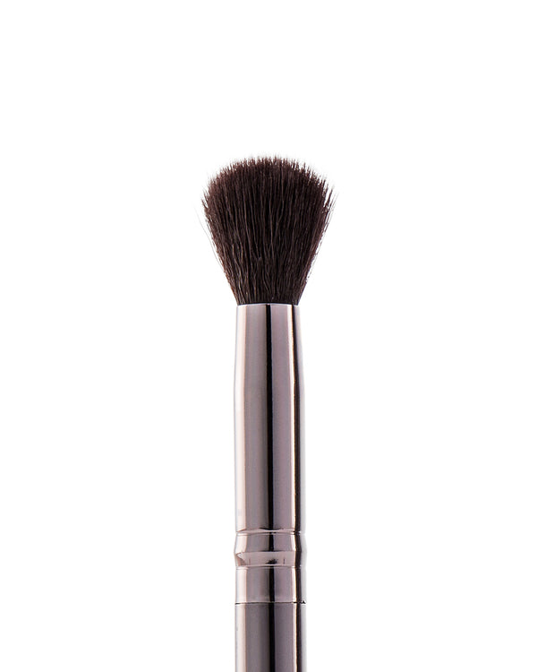 Vasanti Stubby Concealer Buffer Brush - Closeup brush head front shot