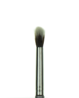 Vasanti Contour Eyeshadow - Blend it out brush - Closeup brush head front shot