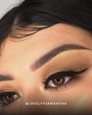 Close up shot of a woman wearing Vasanti Felt Tip Liquid Eyeliner