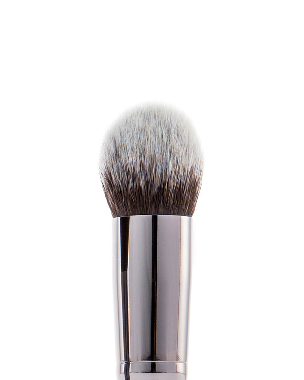 Vasanti Round Foundation Brush - Closeup brush head front shot
