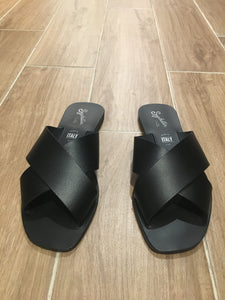 Total Relaxation Sandals - Black