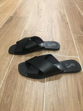 Load image into Gallery viewer, Total Relaxation Sandals - Black