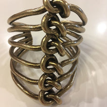 "Load image into Gallery viewer, Avant Garde Paris - Neuf ""Knot"" Cuff"