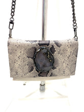 Load image into Gallery viewer, Evoke - Bahama Bag Cream/Agate/Snake