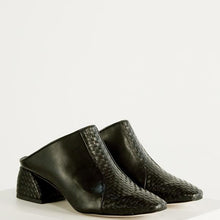 Load image into Gallery viewer, The Odell's Lola Mule - Black