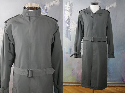 1980s Vintage Trench Coat, Gray Water-Resistant Mad Men Mac Raincoat w Quilted Lining, Swedish Design: Size 44 US/UK - DownShifting Vintage Menswear
