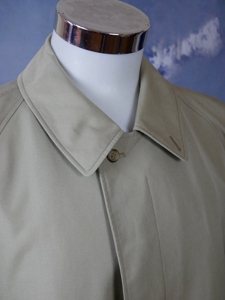 1980s Trench Coat, German Vintage Beige Single-Breasted Water-Resistant: Size 46 to 48 US/UK - DownShifting Vintage Menswear