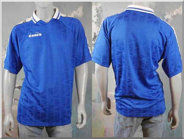 1990s Blue Short-Sleeve Football Shirt, Italian Vintage Diadora Soccer Jersey, Mens Retro Sportswear: Size 42 to 44 US/UK - DownShifting Vintage Menswear