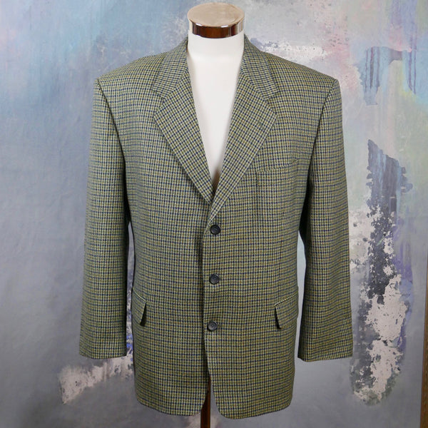 Black & Green Houndstooth Blazer, 1980s Italian Vintage Wool Single-Breasted Check Jacket, European Retro Menswear: Size 46S US/UK - DownShifting Vintage Menswear